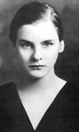 Mary McCarthy McCarthy, Mary - Essay